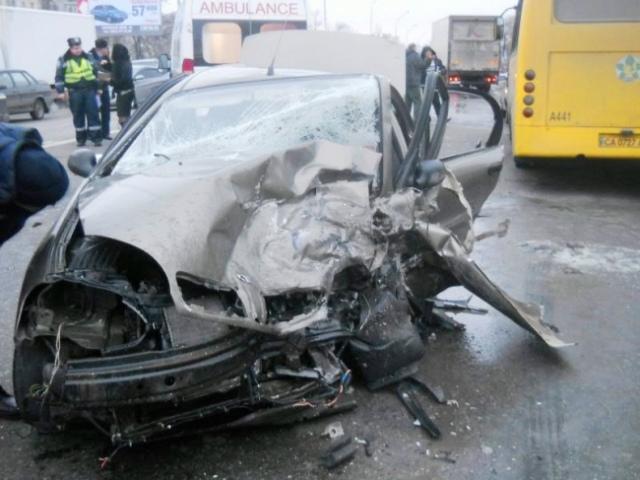 На Харьковском шоссе в результате ДТП пострадали 4 человека