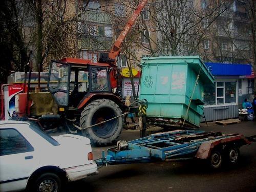 Милиционеры незаконно снесли в Киеве два киоска