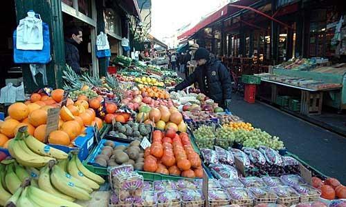 Торговцы и киевляне против снесения рынка на улице Героев Севастополя