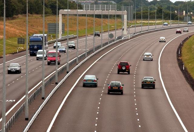 Глинский просит не сравнивать городские дороги с автобанами