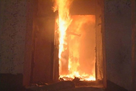 Пенсионер сгорел заживо в своей квартире