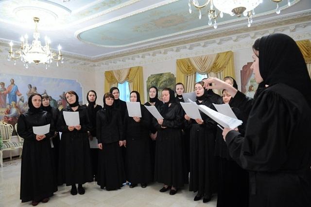 Депутаты подарили женскому монастырю ряд зданий на Подоле