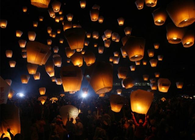 На 8 марта по киевскому небу пролетят китайские фонарики