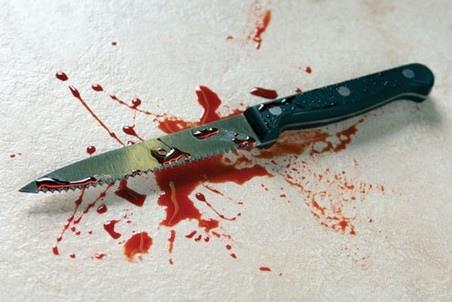 """Пассажир """"оплатил"""" проезд из Киева в Обухов ударом ножа в шею водителя"""