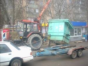 """Возле станции метро """"Золотые ворота"""" демонтируют летние палатки"""