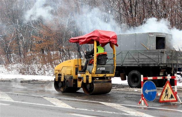 Попов уверен, что киевские дороги отремонтированы на 70%