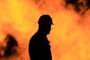 25-летний водитель едва не сгорел в собственной машине