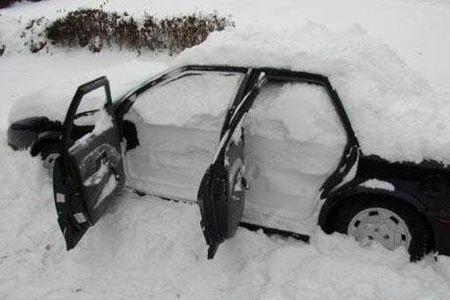 ГАИ просит киевских водителей забыть на пару дней о своих машинах