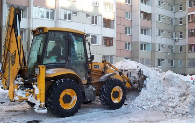 Первым делом снег будут вывозить из спальных районов