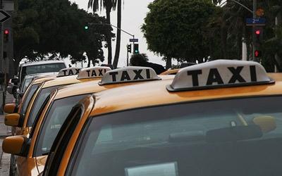 Попов обещает в ближайшее время разобраться с таксистами