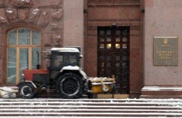 Следующей зимой в Киеве снег будут топить