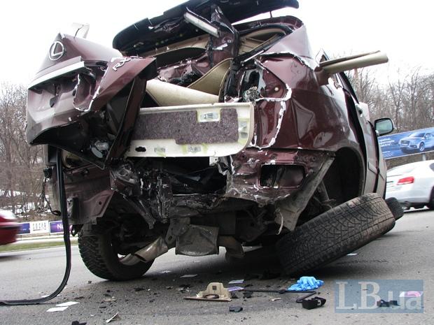 """Водитель """"Лексуса"""" сбежал, бросив раненого пассажира"""
