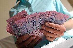 Медикам ежегодно будут поднимать зарплату
