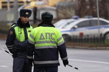 На Киевщине пьяный водитель избил двух гаишников