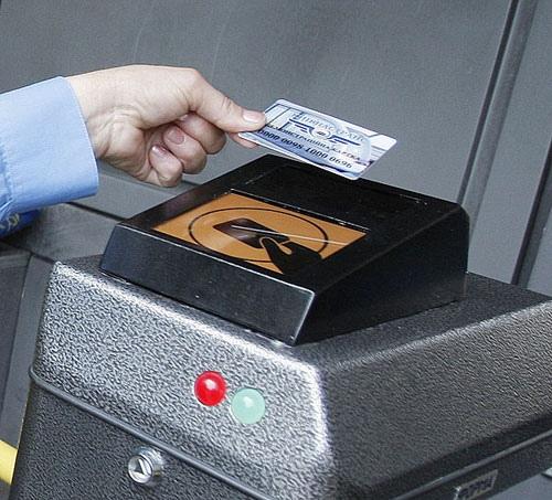 Электронный билет на все виды транспорта введут до конца 2013 года