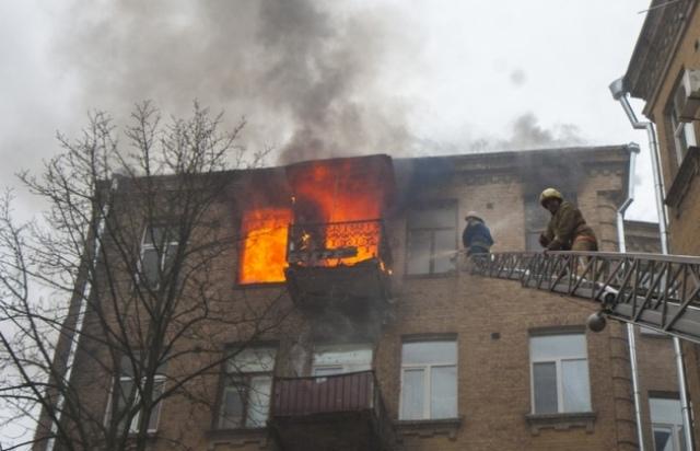 В квартире на ул. Б.Житомирская в Киеве в огне погиб человек