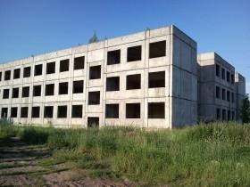 Киевским школьникам на Троещине вернули недостроенную школу