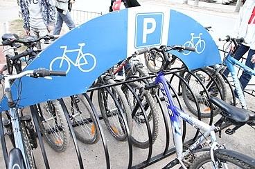 Возле Верховной Рады могут появиться велопарковки