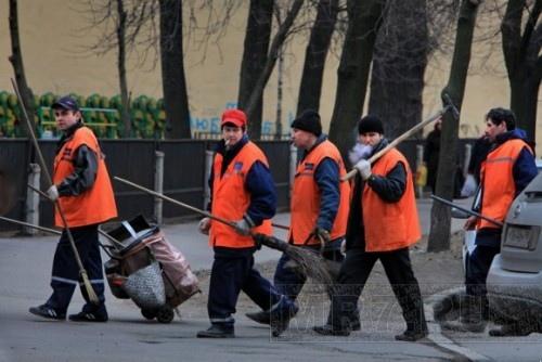 В Киевсовете решили, что дворники могут жить и на улице
