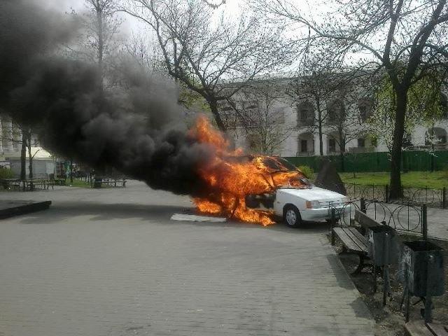 На Контрактовой площади сгорела автокофейня