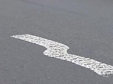 На дорогах Киева появилась кривая дорожная разметка