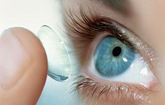 Как правильно ухаживать за контактными линзами?