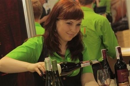 50 виноделен представят в Киеве свои лучшие винные напитки