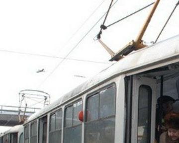 На Подоле на ночь закроют 2 трамвайных маршрута