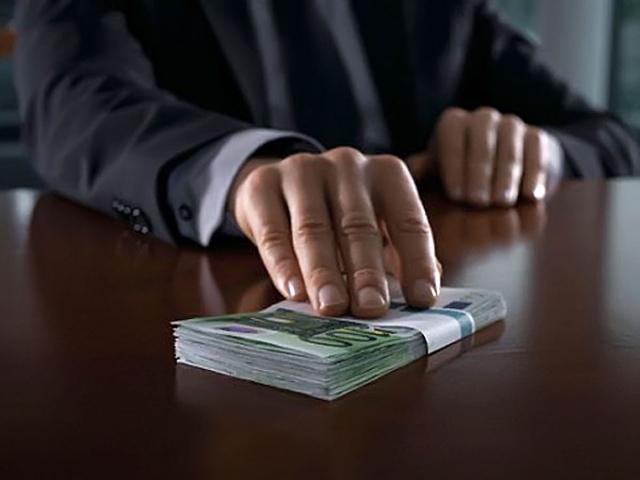 Чиновник Госфининспекции разоблачен во взяточничестве