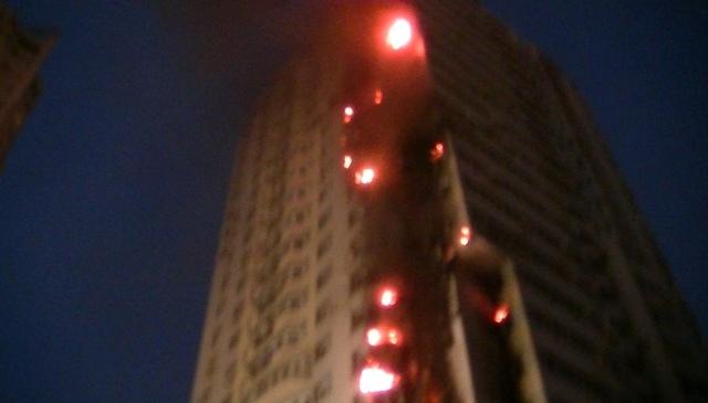 На Шулявке горело 25-этажное жилое здание