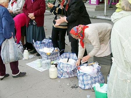 """Столичные мини-рынки """"крышуют"""" районные чиновники - Депутат"""