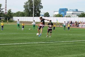 На Оболони открылся новый межшкольный стадион