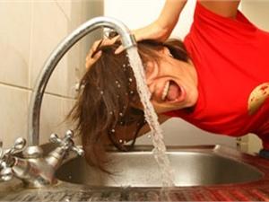 В КГГА обещают, что горячую воду после испытаний восстановят точно в срок