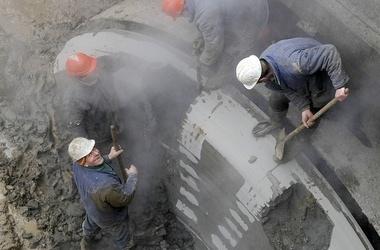 Попов уверяет, что строительство метро на Троещину уже ведется