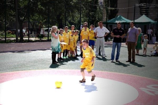На Соломенке открылась новая спортивная площадка