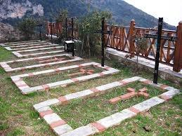 В Киеве рядом с жилыми домами может появиться кладбище для монахов