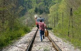 """Проспав остановку, женщины """"вышли"""" из поезда на ходу"""