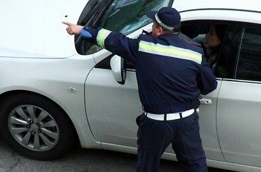 В Киеве пьяный водитель избил инспектора ГАИ