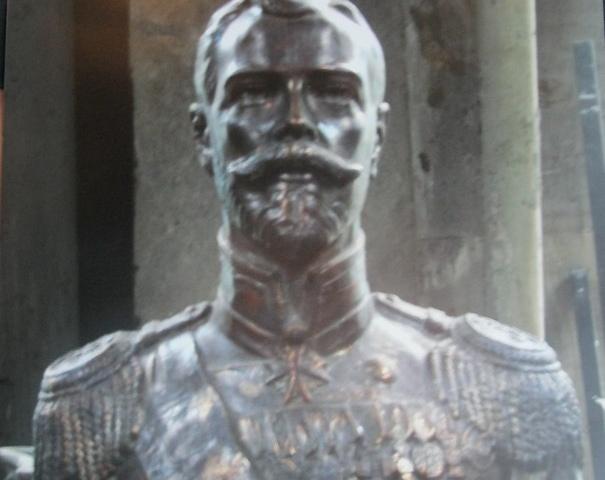 Бандиты украли царский бюст стоимостью около 1 млн. рублей