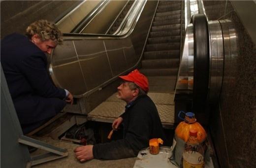 В киевском метро решили пока не чинить эскалаторы на еще одной пересадке