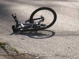 Водителя, сбившего в Киеве велосипедиста, решили не лишать прав, а назначили штраф