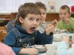 Через Интернет можно будет узнать, что кушает ребенок в детском садике