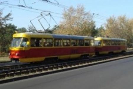 В Киеве замкнуло трамвай