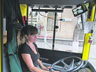 За пассажирами начали следить в троллейбусах