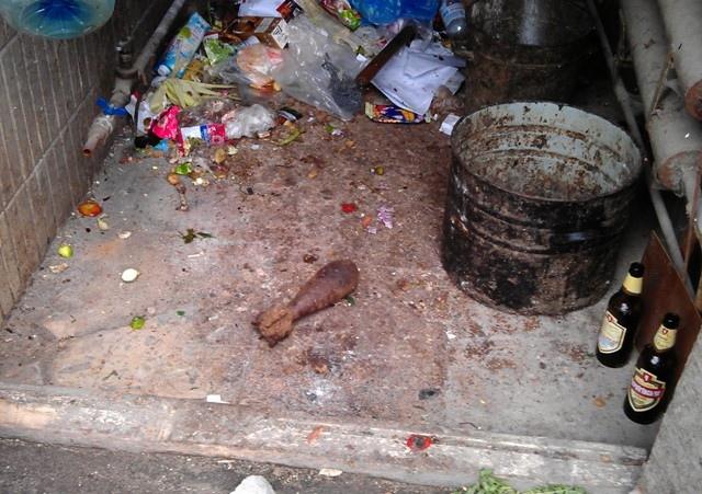 В подъезде жилого дома нашли минометную мину