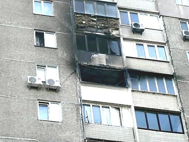 Киевлян просят тушить сигареты в своих карманах