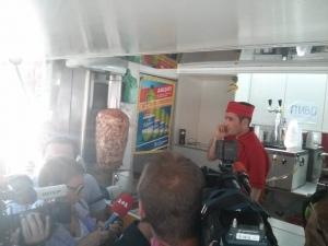 Киоск с шаурмой повредил голову киевскому активисту