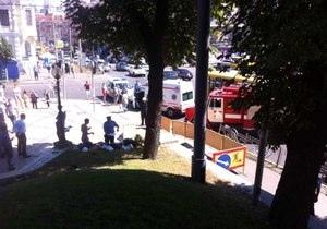В парке Шевченко рабочих ударило током. Взрыва не было - спасатели