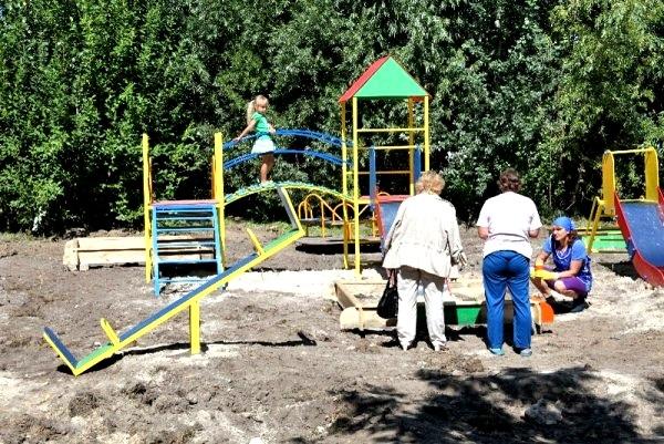 В Жулянах построят детскую игровую площадку