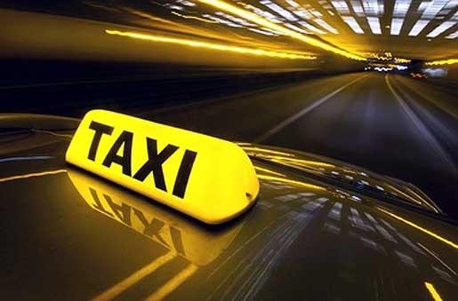 Дерзкий вор ограбил спящего водителя такси